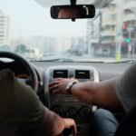 Pasażer bez pasów – odpowiedzialność kierowcy