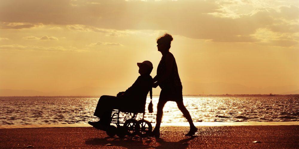 Świadczenie pielęgnacyjne - czym jest? kiedy przysługuje? kto je otrzyma?