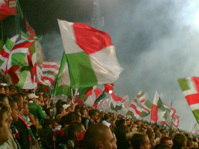 Miejsca stojące mogą powrócić na polskie stadiony