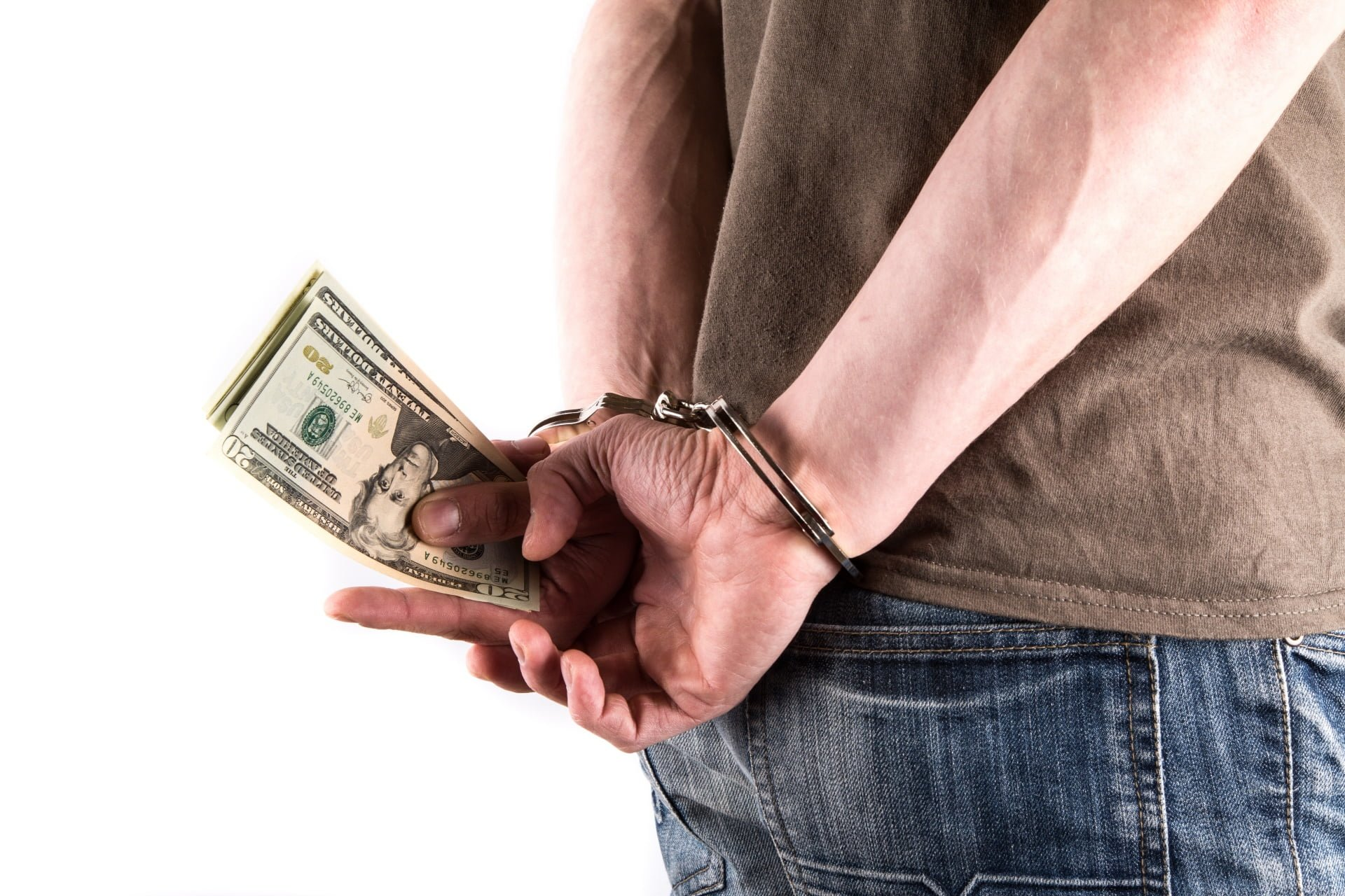 Przestępstwo a wykroczenie skarbowe