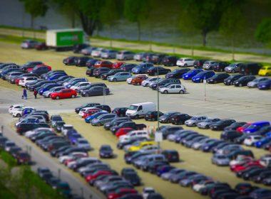 Chcesz kupić używany samochód? Sprawdź jego historię!