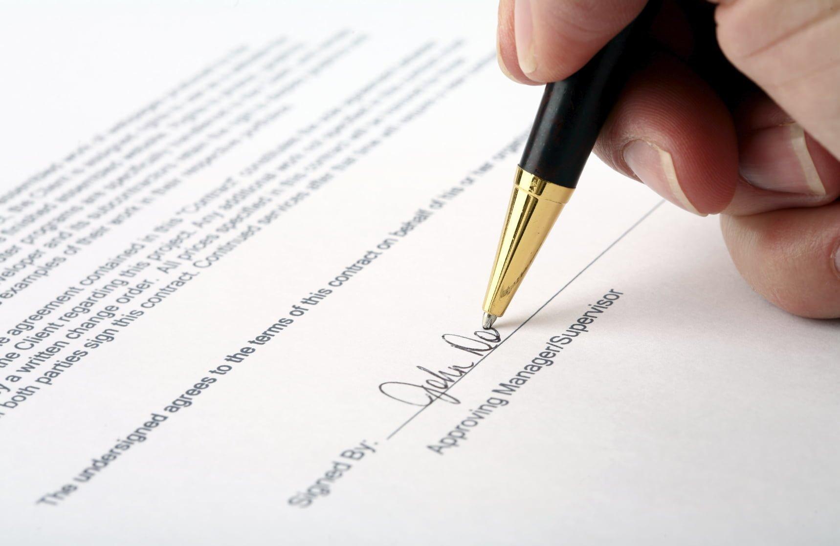 Kiedy mamy do czynienia z pozornością umowy?