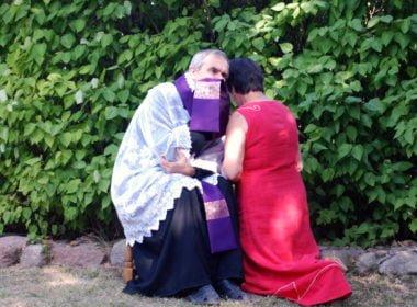 Duchowny przy mównicy, czyli tajemnica spowiedzi w procesie karnym