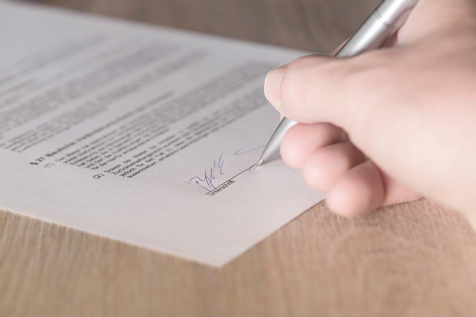 Wszystko co musisz wiedzieć o umowie zlecenia
