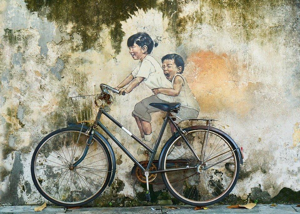 Jezdnia, a może inna część drogi - jak jeździć rowerem?