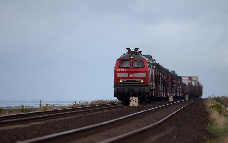 Pociągi pojadą 250 km/h