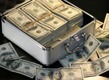 Pranie pieniędzy pod lupą ustawodawcy