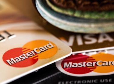 Darmowe karty bankowe pod kontrolą UOKiK