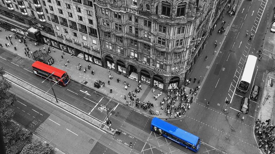 Jak samodzielnie zmniejszyć korki i poprawić bezpieczeństwo na drodze?