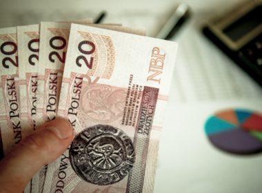 Wysokie zarobki rodzica – utrata ulgi podatkowej na dwójkę dzieci