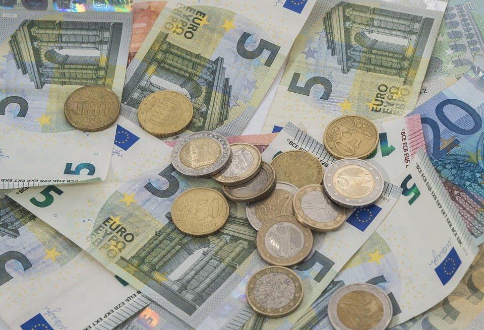 Niższe koszty przelewów transgranicznych