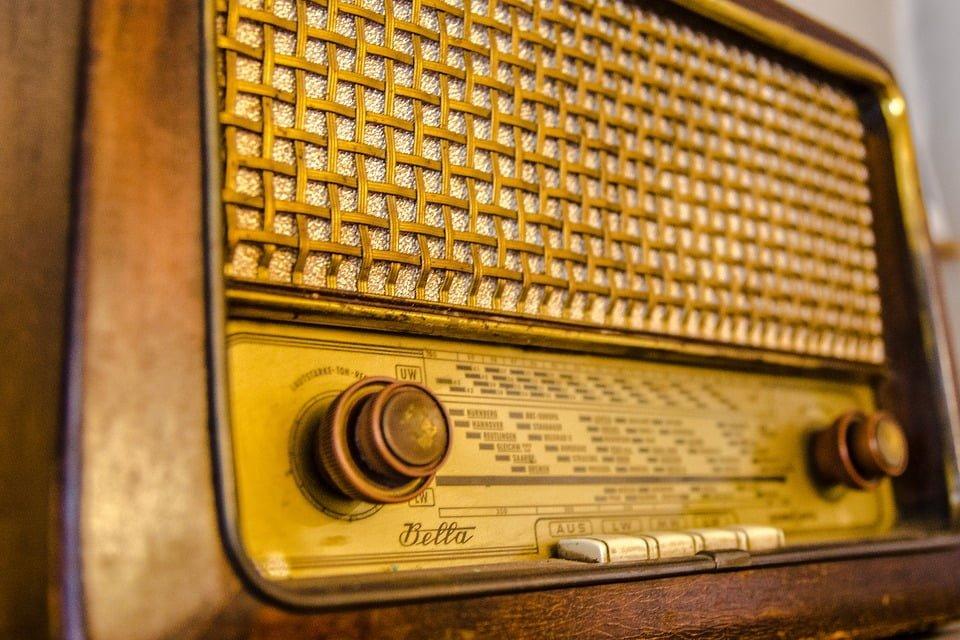 Cyfrowe odbiorniki radiowe pod lupą ustawodawcy