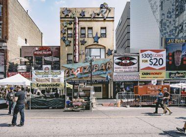 Zasady umieszczania reklam na budynku należącym do wspólnoty mieszkaniowej