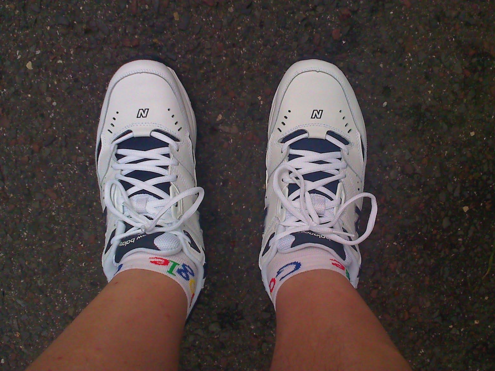 Wojewoda: Nakaz posiadania butów z białą podeszwą niezgodny z Konstytucją