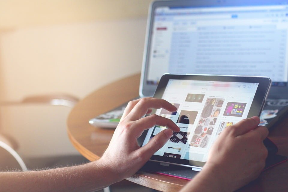 Zwalczanie dezinformacji w Internecie