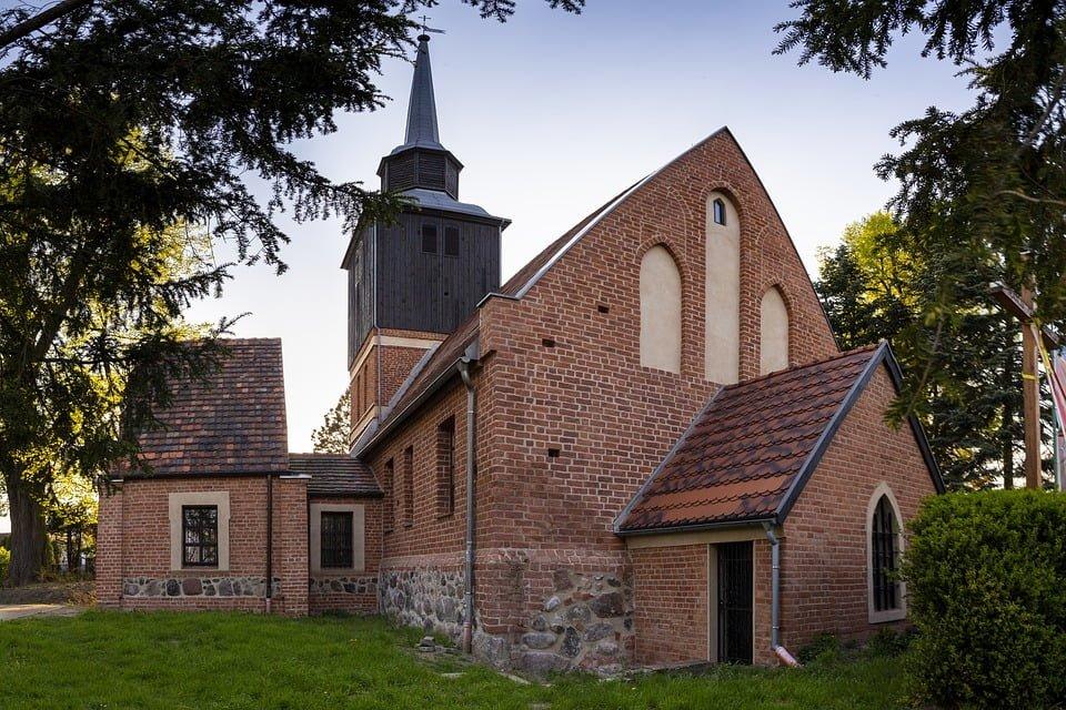 Przetwarzanie danych osobowych przez kościół i inne związki wyznaniowe