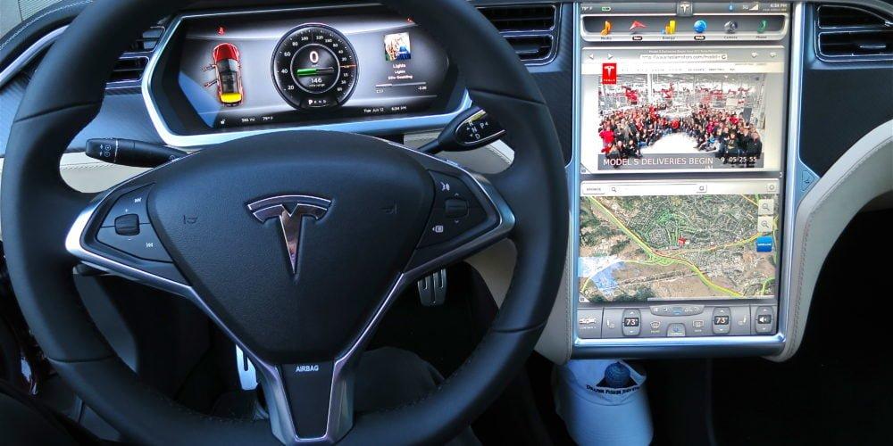 Tesla - coraz lepsza, nadal niedoskonała