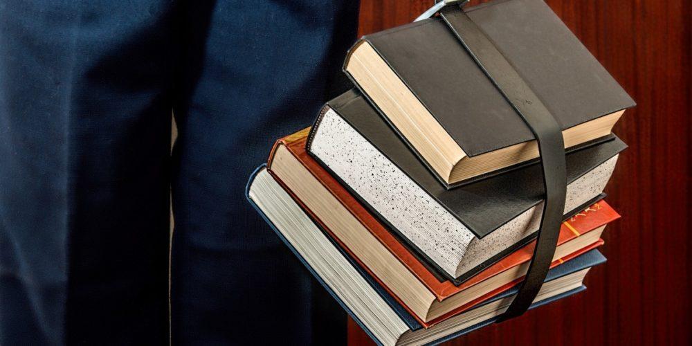 Dyrektorzy szkół powinni informować rodziców i uczniów o możliwościach organizacji lekcji religii lub etyki