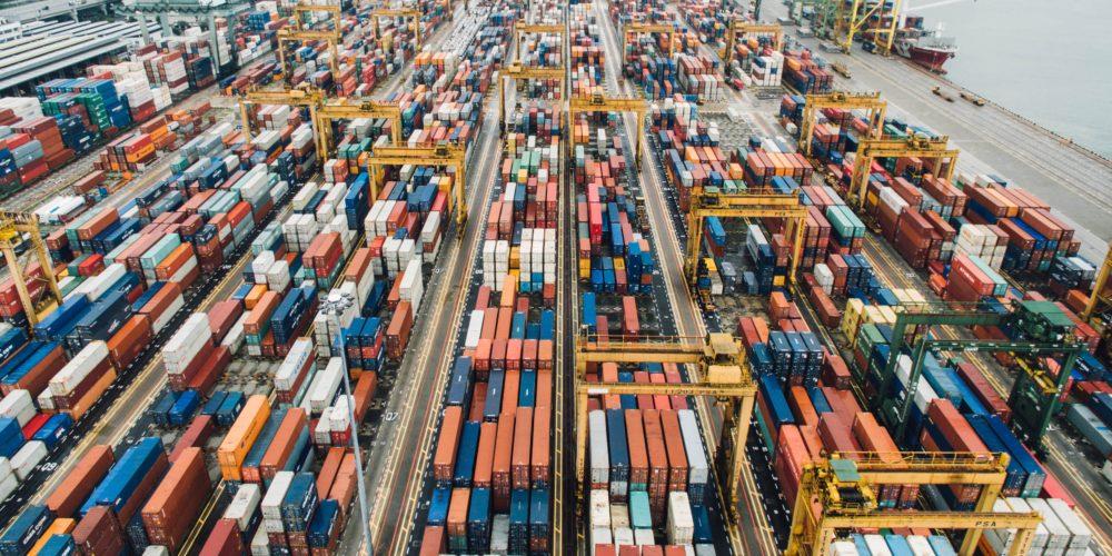 Więcej opłat za import towarów z USA do UE