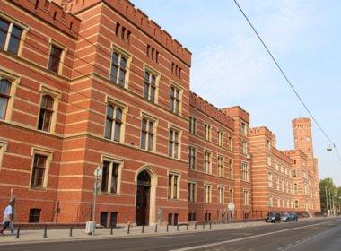 Do sądu we Wrocławiu nie wejdzie obywatel, który nie ma w nim sprawy. Interwencja RPO