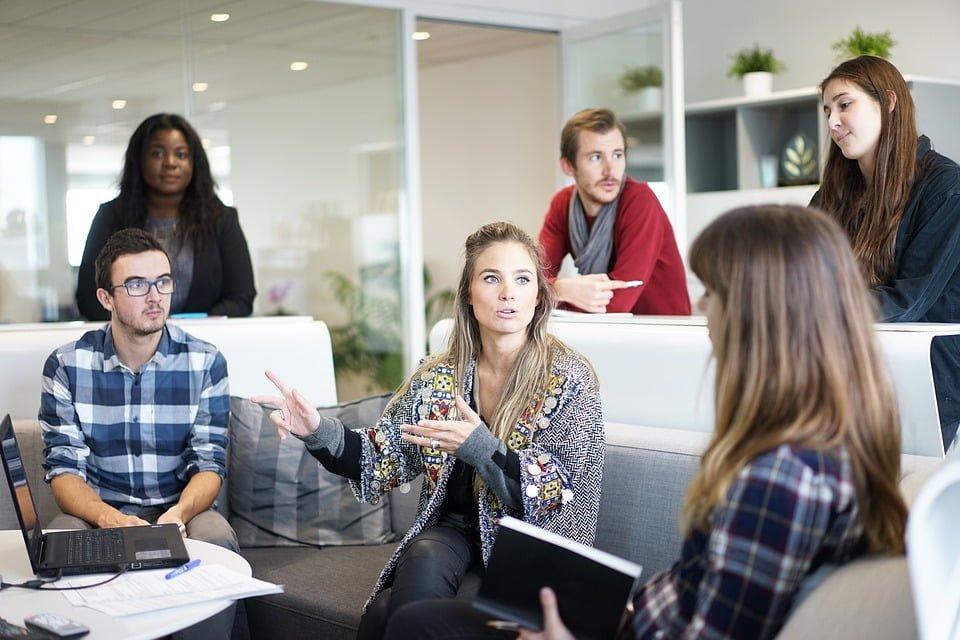 Konstytucja biznesu pułapką dla młodych przedsiębiorców?