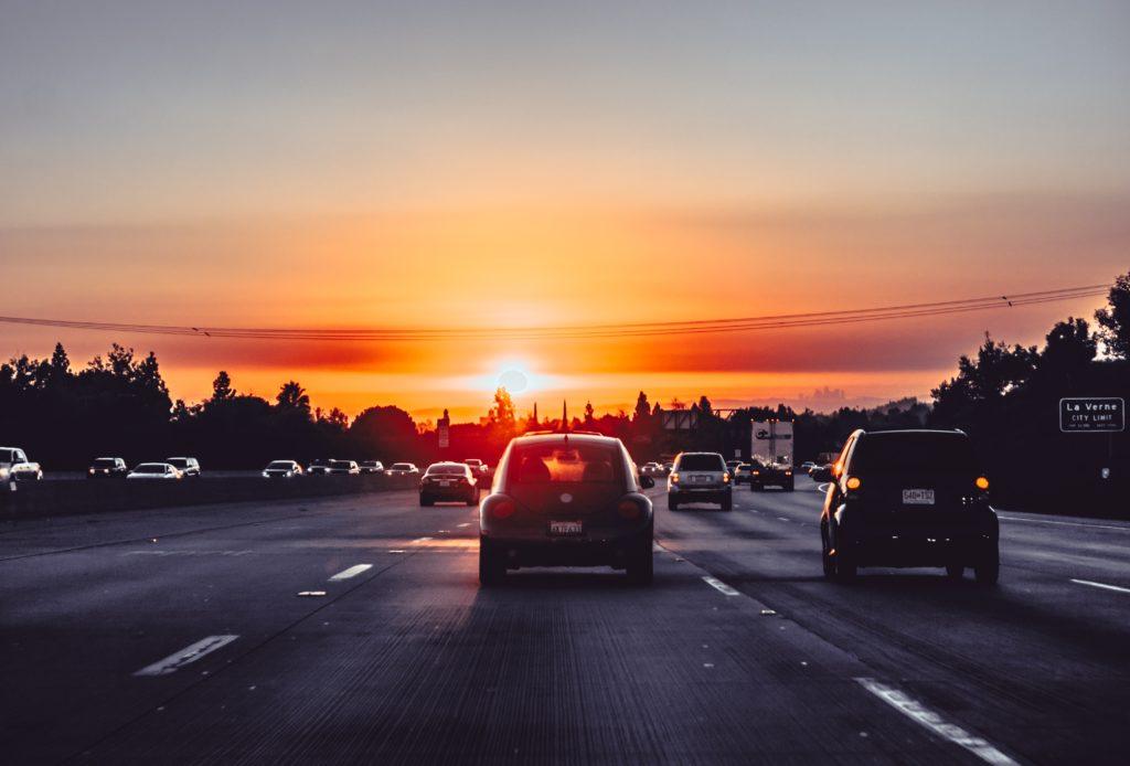 Co prawo mówi o odholowaniu pojazdu na terenie prywatnym?