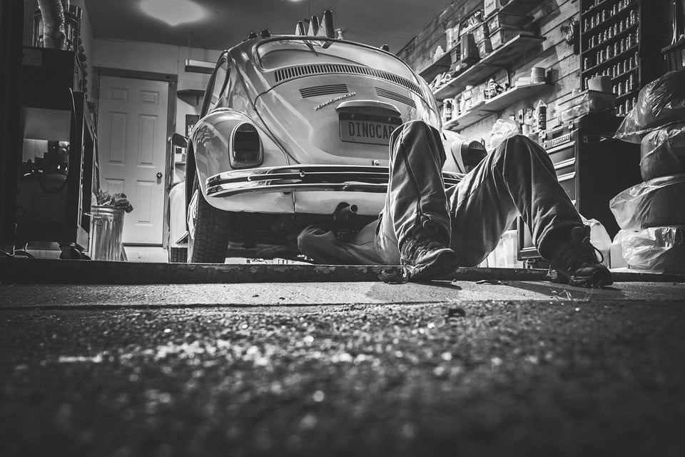 Naprawa pojazdu z OC – czy można wybrać nowe i oryginalne części?