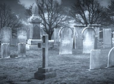 Polska naruszyła prawa swoich obywateli, otwierając groby bez zgody bliskich