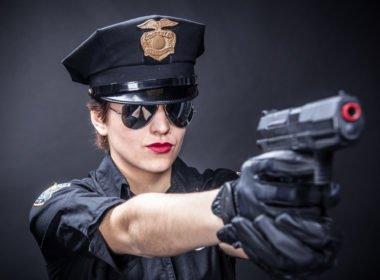 """""""Stój bo strzelam!"""" - kiedy policjant może użyć broni palnej?"""