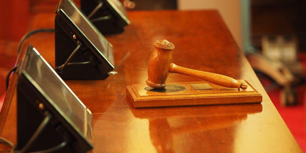 Czy sąd może uchylić swoje pytanie?