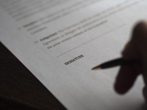 Dziwne zapisy w kontraktach piłkarzy