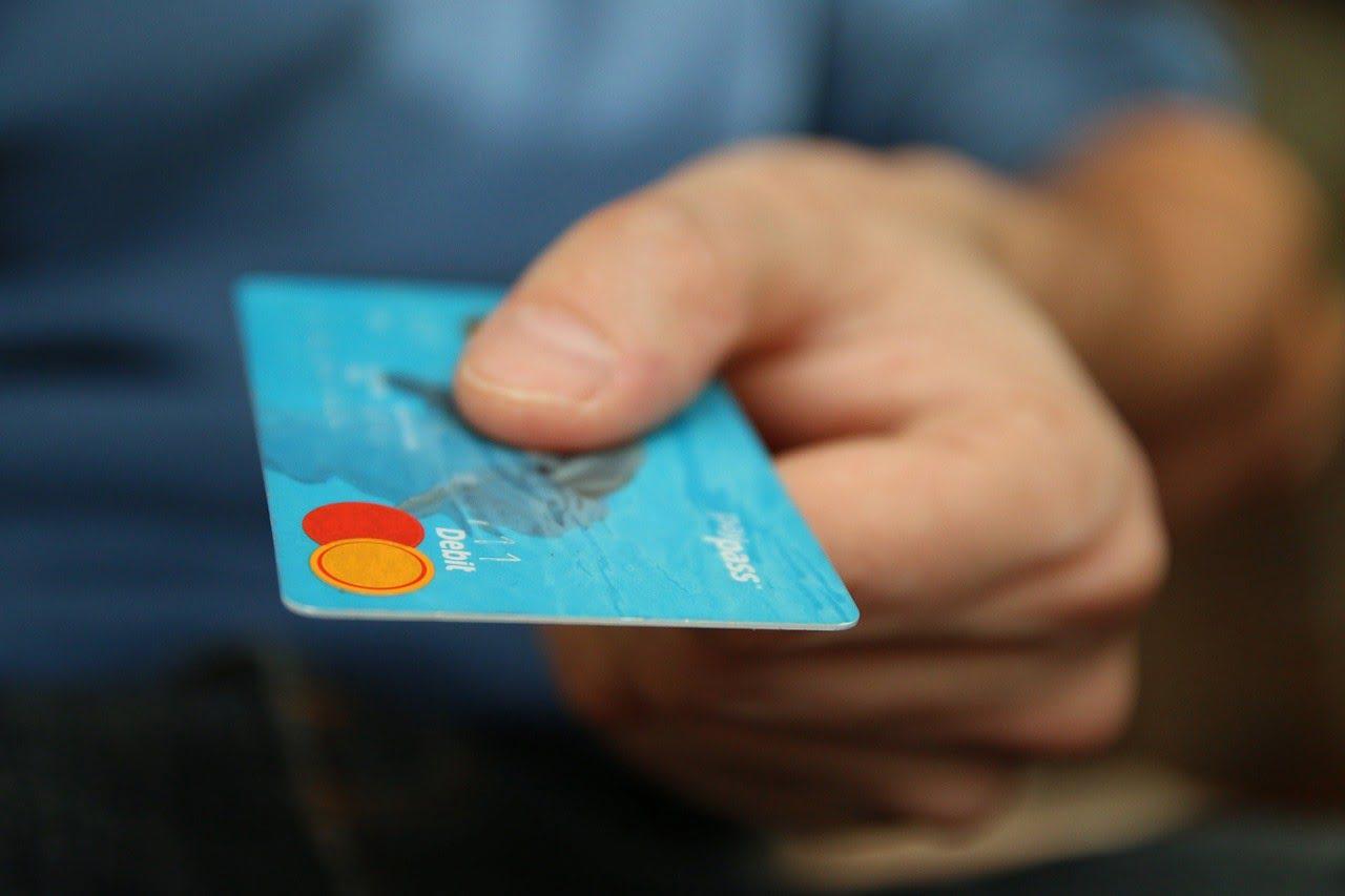 Wartość transakcji zbliżeniowych w Polsce wzrosła do 44,5 mld zł