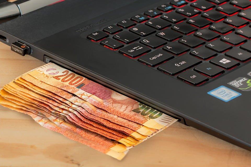 Przed świętami warto zaplanować przelewy bankowe
