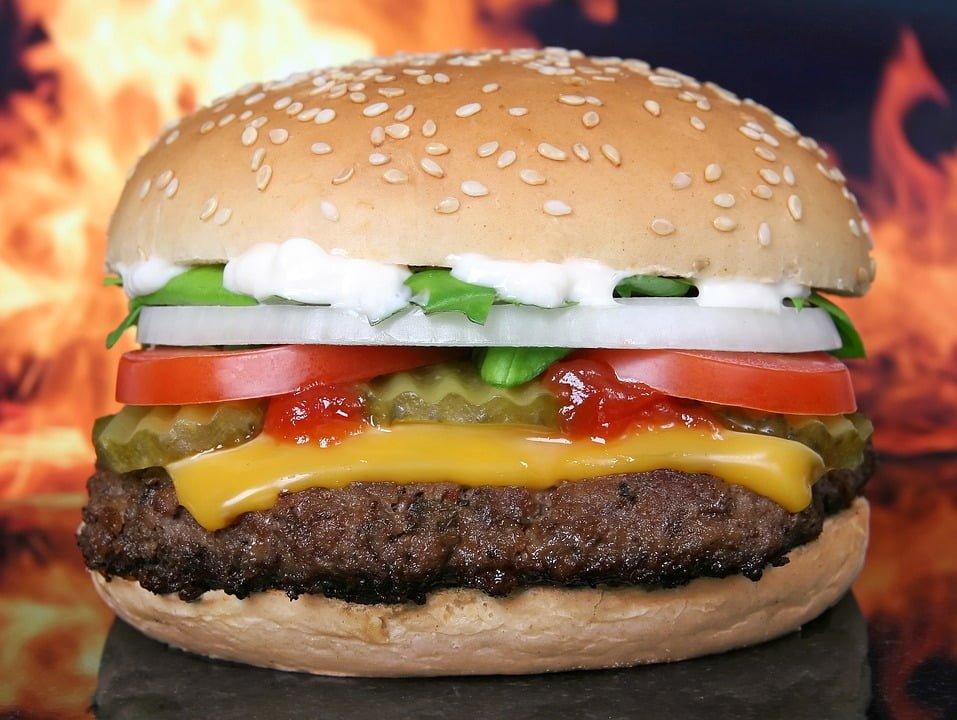 McDonald's stracił wyłączne prawo do serwowania Big Maca. Co na to konkurencja?