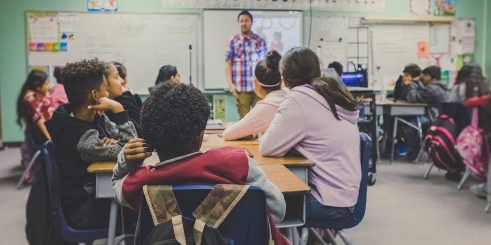 Projekt nowej ustawy o nieletnich. Większe kompetencje dla dyrektorów szkół