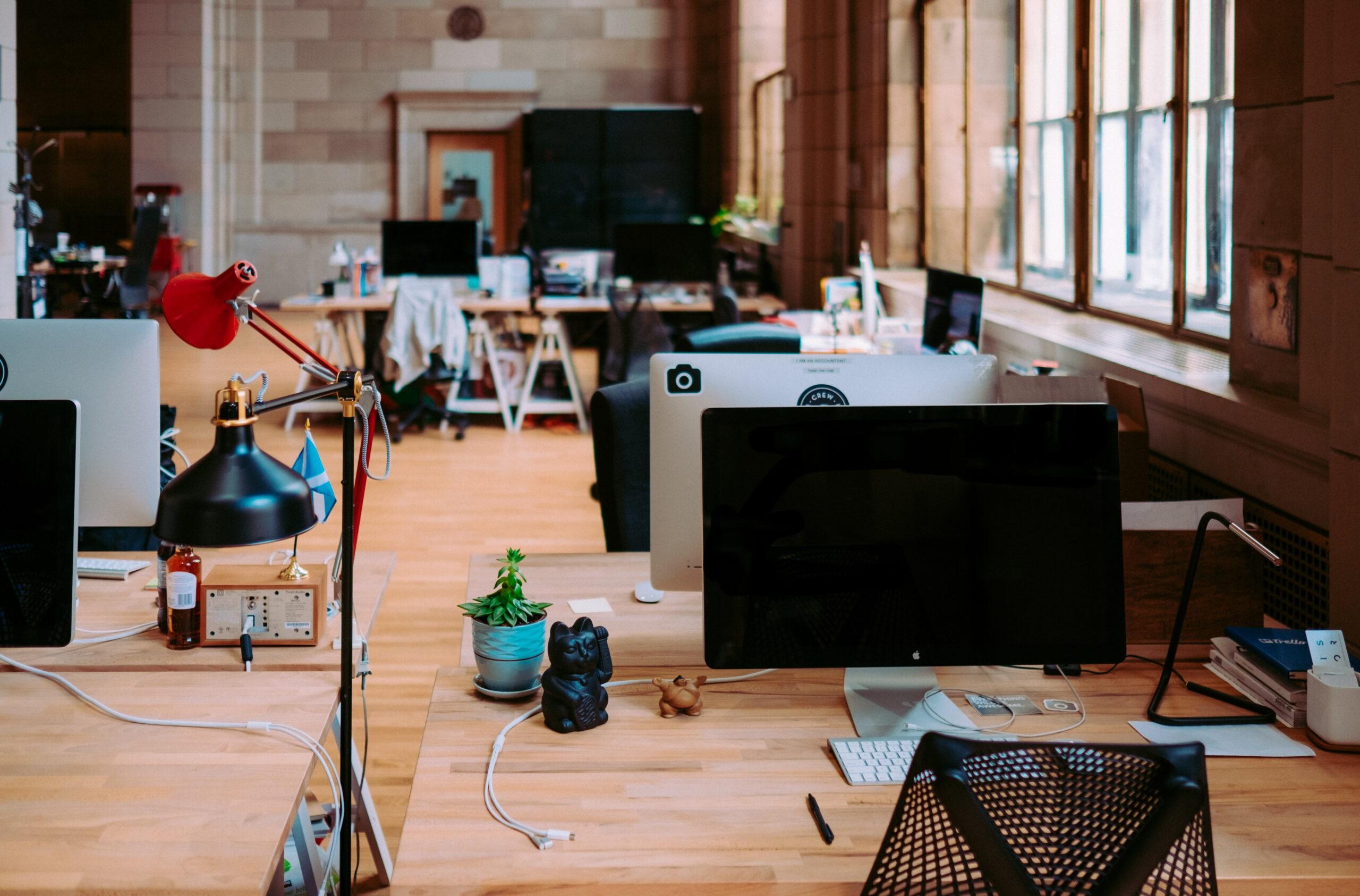 Strony stosunku pracy - definicja pracownika i pracodawcy