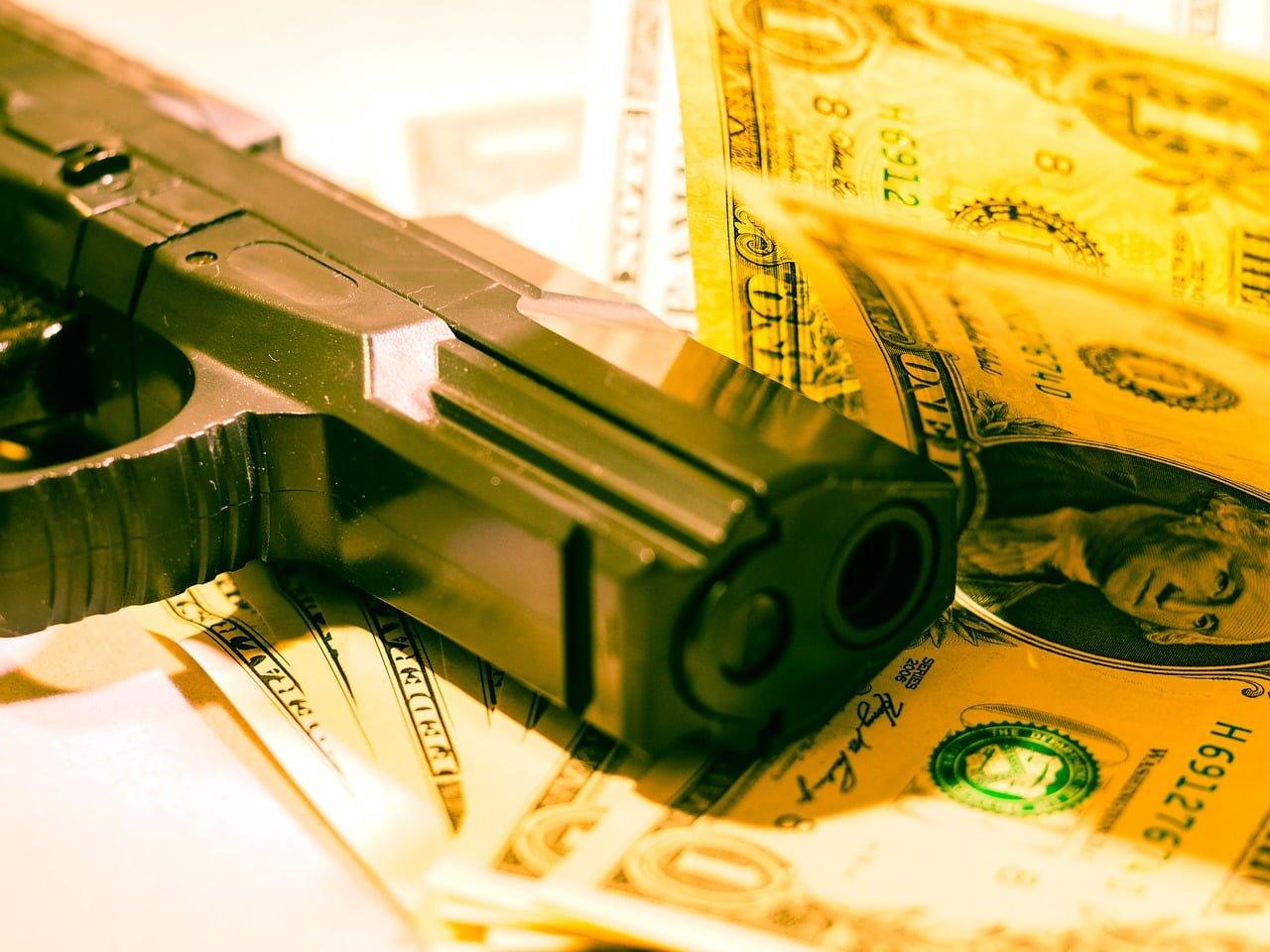 """""""Napad na bankiet"""" - spektakularna kradzież z włamaniem i jej konsekwencje"""