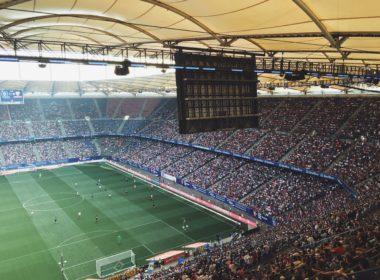 Budżety klubów ekstraklasy – jak można zarobić na piłce nożnej?