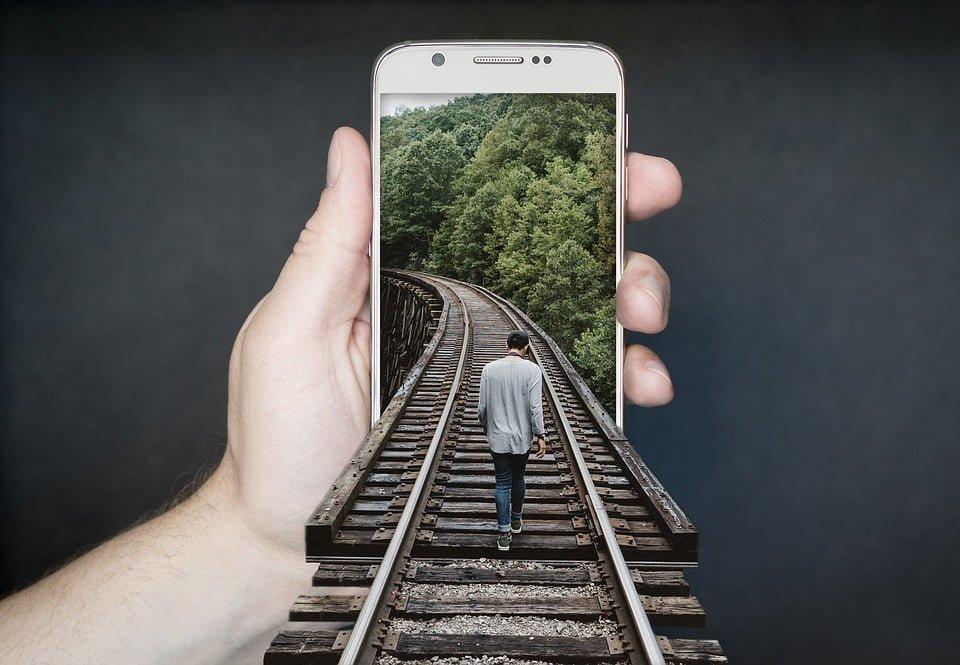 UOKiK apeluje do Apple i Google w sprawie polityki prywatności