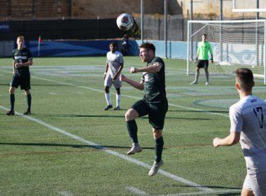 Piłka nożna: Kiedy zagranie ręką jest przewinieniem?