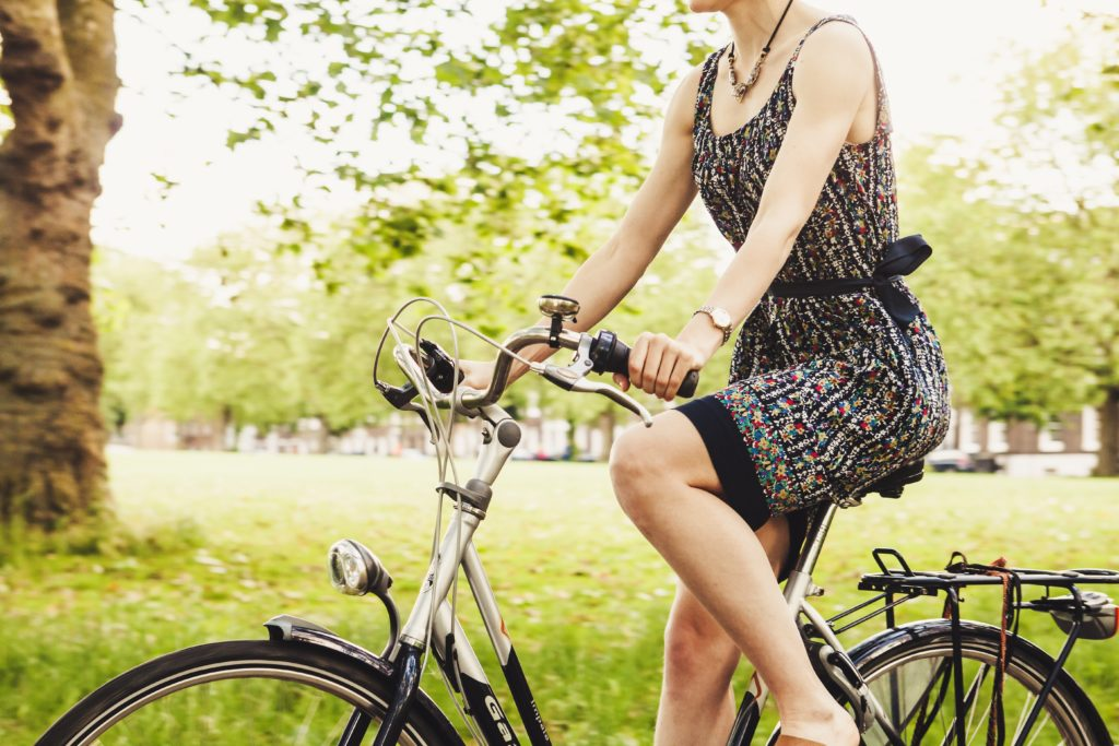 Kiedy można jeździć rowerem po chodniku