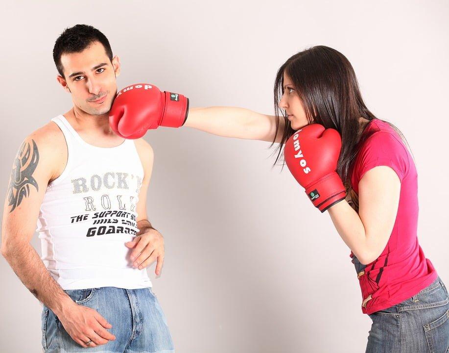 Znęcanie się nad mężem – brutalna żona surowo ukarana
