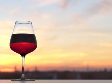 Spożywanie alkoholu w miejscu publicznym - jaka kara?