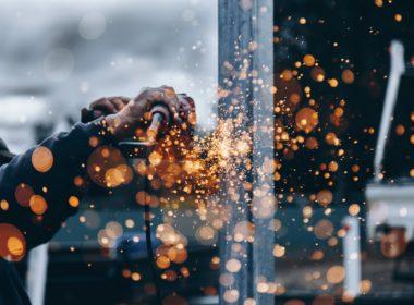 Wypadek przy pracy – pojęcie oraz tryb ustalania okoliczności i przyczyn