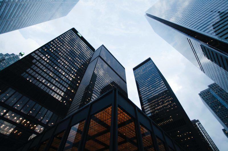 Niewpisanie członka zarządu do rejestru a odpowiedzialność za długi spółki