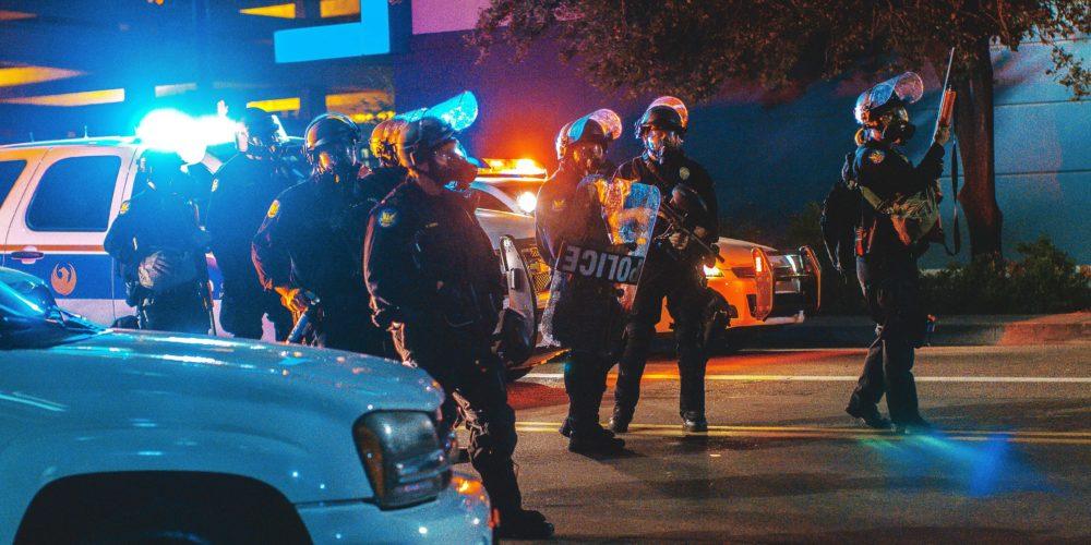 Czy policjant albo strażnik miejski może odmówić interwencji?
