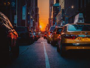 Zasada szczególnej ostrożności w ruchu drogowym a zasada zaufania – kodeks drogowy