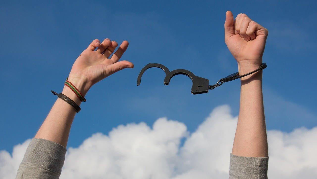 Czym jest zatarcie skazania i kiedy do niego dochodzi?