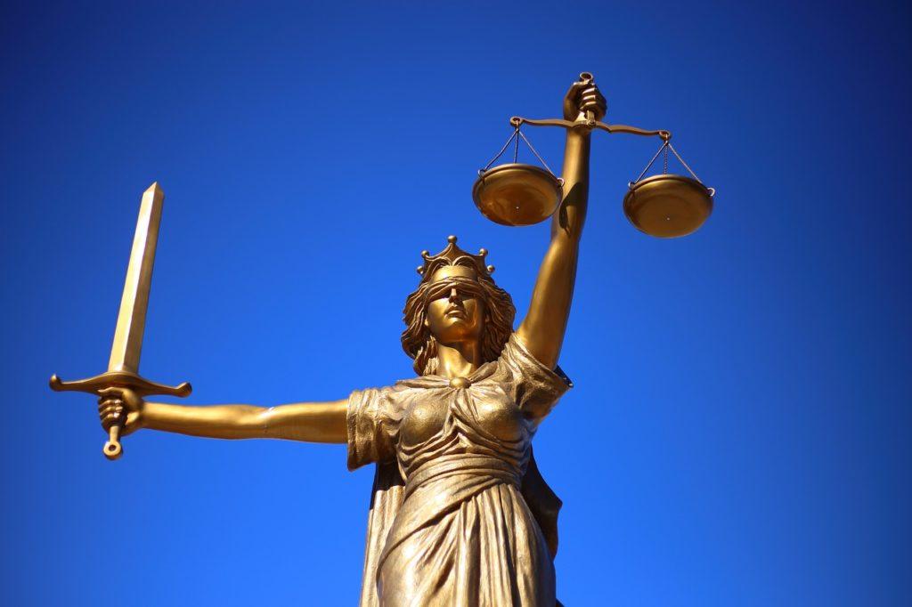 Jakie prawa ma oskarżyciel prywatny?