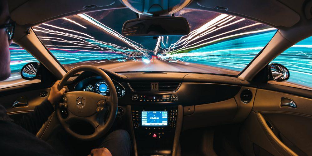 Zgoda na jazdę z nietrzeźwym kierowcą jako przyczynienie się do powstania szkody